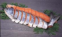 特上新巻鮭姿切身(1本・約1.8~2.0kg・冷凍・化粧箱入)